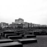 Memorial b/w
